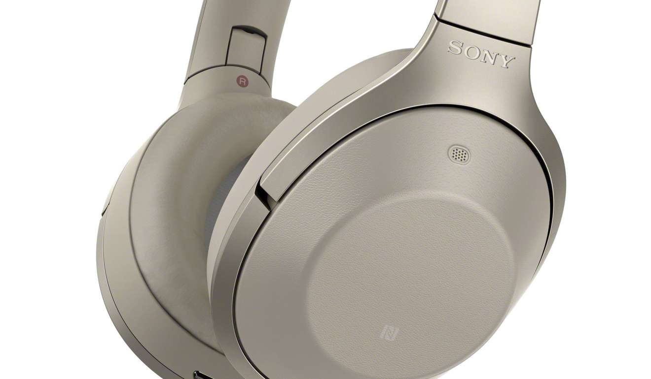 Four top wireless noise cancelling headphones for your ...