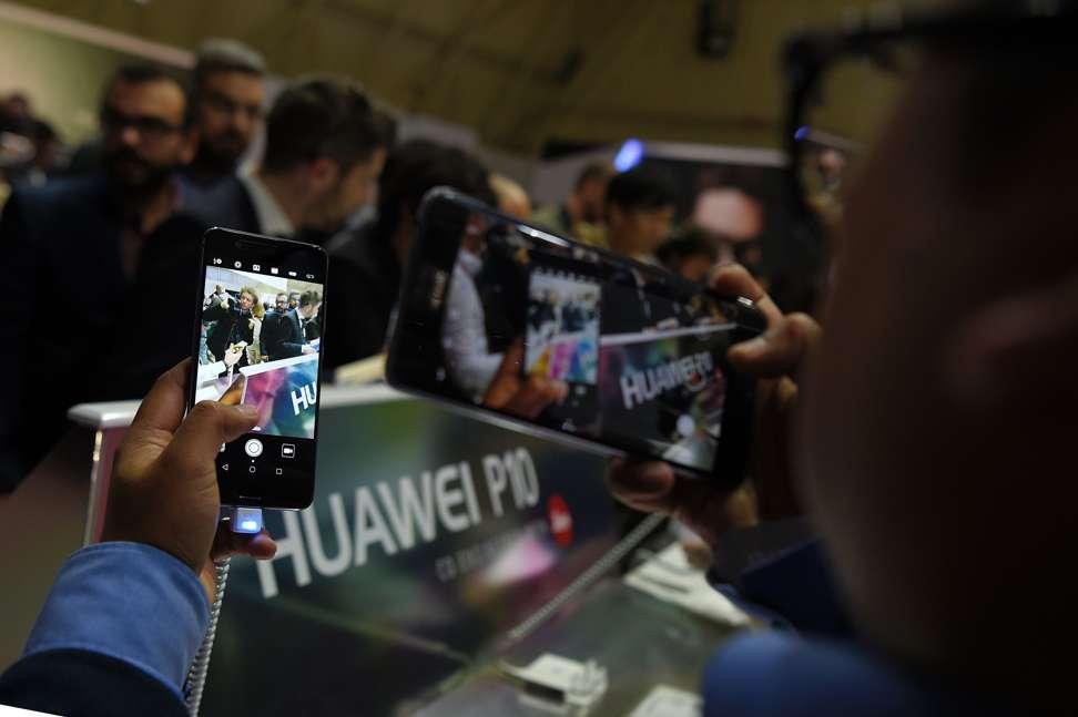 First impressions: Huawei's P10 retains Leica dual camera ...