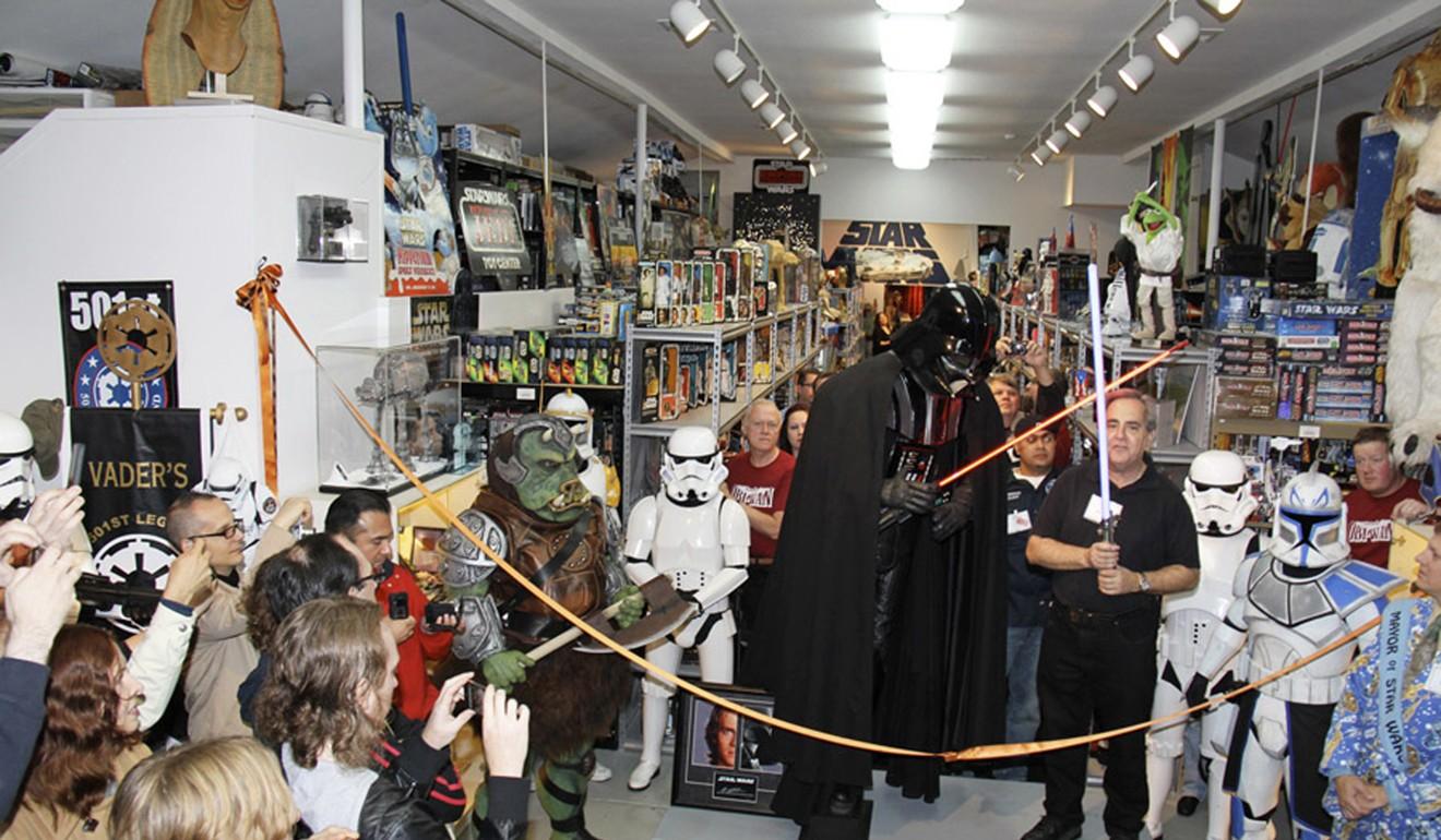 Новости Звездных Войн (Star Wars news): В США ограбили владельца крупнейшей коллекции, приуроченной Star Wars