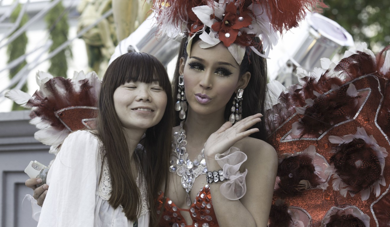 Chinese tourists flocking to Pattaya for transgender shows, Thai