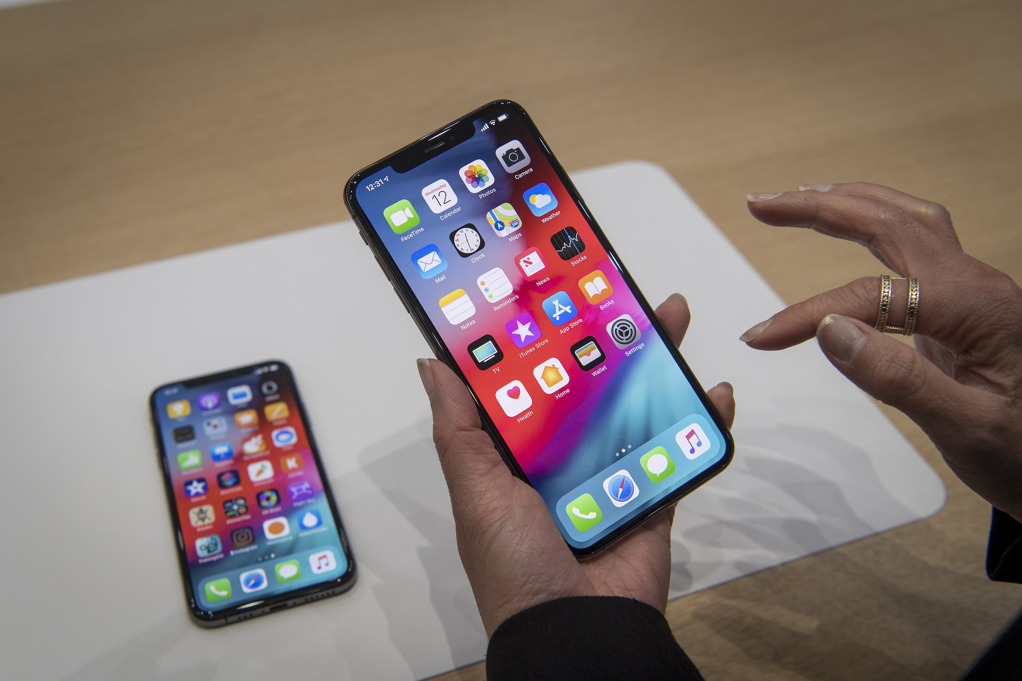 Bell Canada to Support Apple eSIM in iPhone Xs, iPhone Xs Max