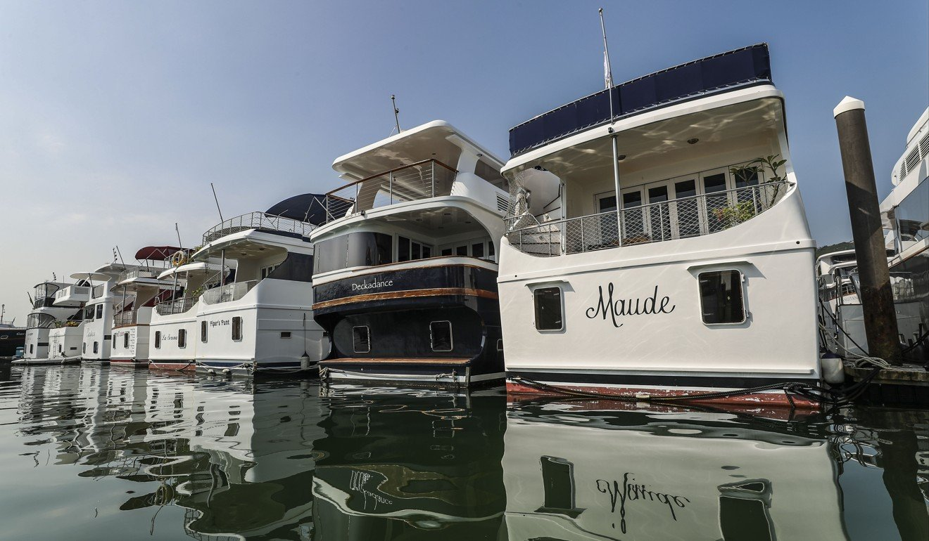 Living on a boat in Hong Kong: you can't forget to buy sugar