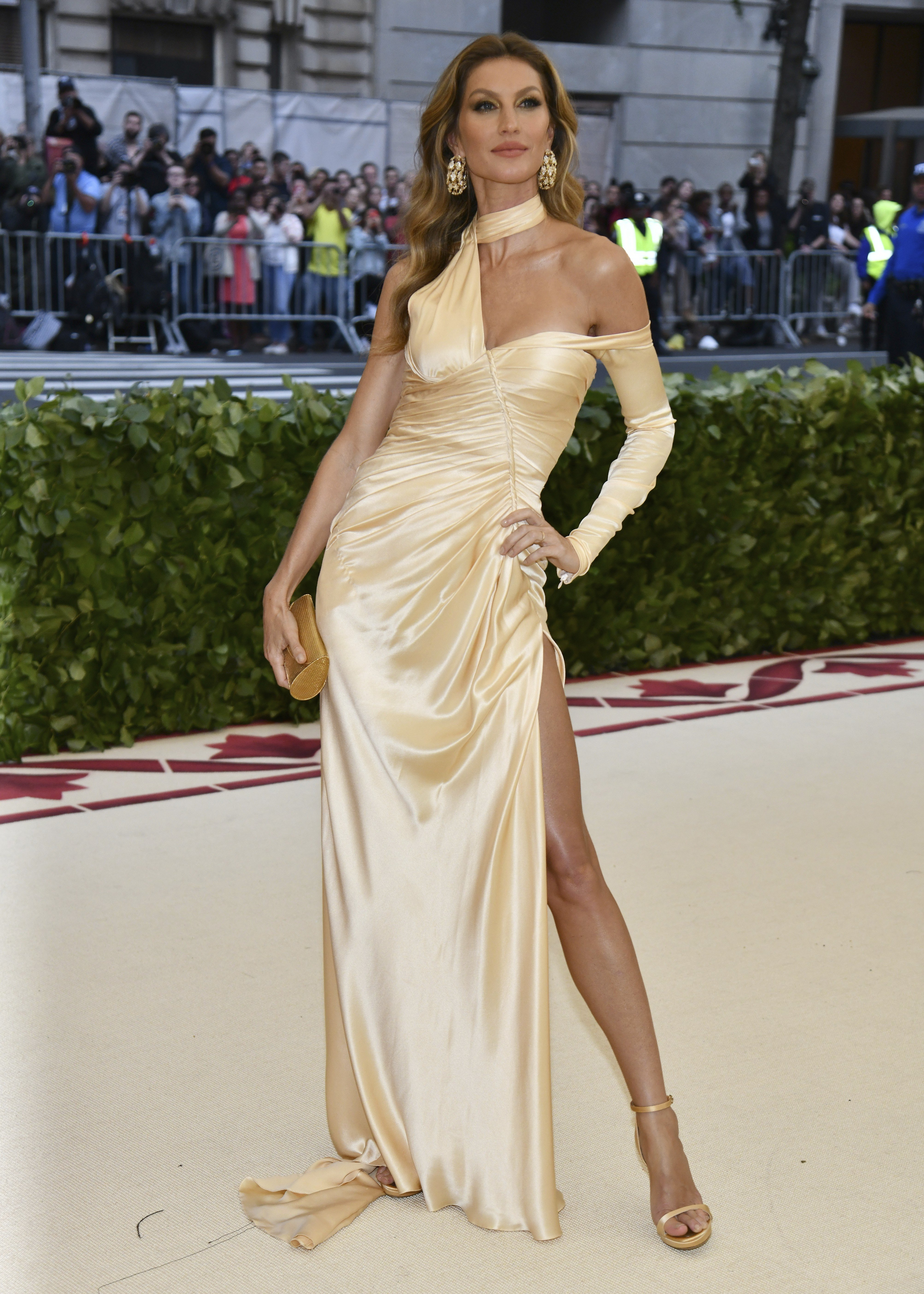 e702fa05dc5 Gallery  the best and worst dressed at The Met Gala 2018