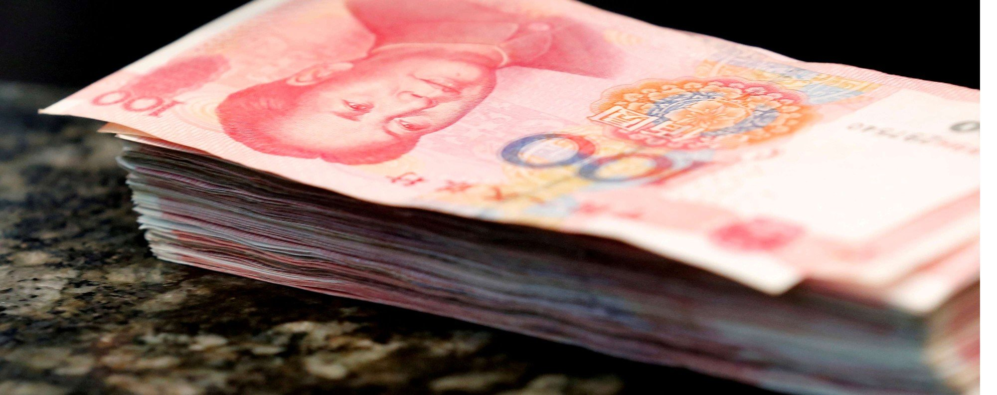 100 yuan banknotes. Photo: Reuters