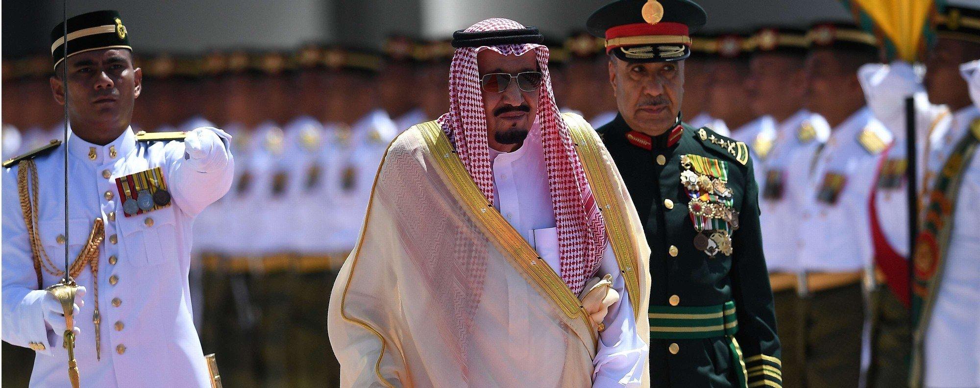 Saudi King Salman is welcomed to Kuala Lumpur. Photo: AFP