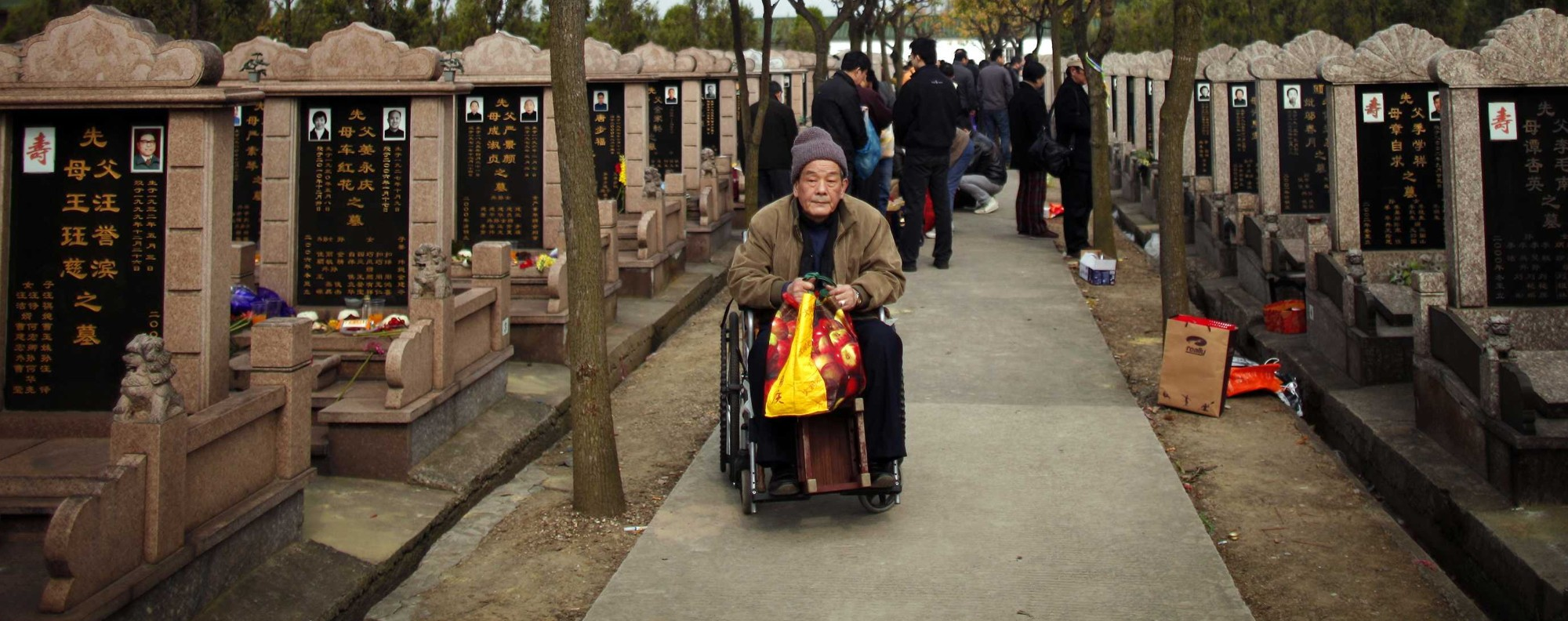 An elderly man at Songhe graveyard. Photo: Reuters
