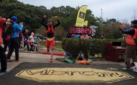 Francois d'Haene finishes 2016 Vibram HK 100 in new course record ** MUST CREDIT (c) Bryon Powell iRunFar