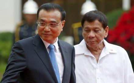 Chinese Premier Li Keqiang and Philippine President Rodrigo Duterte meet for talks in Manila last month. Photo: AP