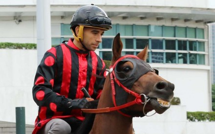 Joao Moreira and Thewizardofoz head out for a trial. Photos: Kenneth Chan