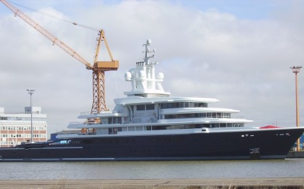 Explorer yacht Luna, bought by a company related to Akhmedov from Akhmedov's close friend Roman Abramovich in April 2014. Photo: Wikipedia