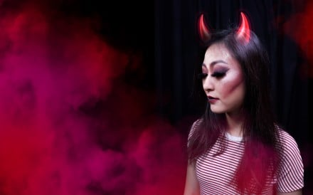 Just a few strokes of cleverly applied make-up can turn you into a devil this Halloween. Photos: Aydee Tee