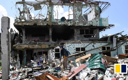 A year after militants loyal to the Islamic State laid siege to the southern Philippines city of Marawi, prompting a near five-month battle with the country's military, the city lies in ruins. 237...