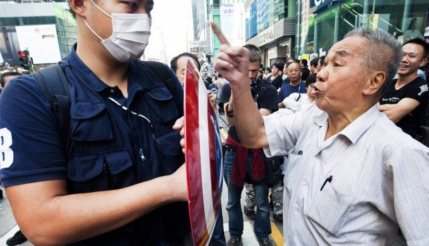 Generation gap hampers efforts to direct Occupy protests in Hong Kong