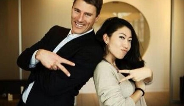 vancouver mayor dating chinese pop star The mother of wanting qu, the pop star girlfriend of vancouver mayor gregor robertson, has been arrested for corruption in china, according to chinese state media.