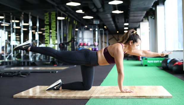 Five exercises to give you six pack abs in 30 days for Table 6 exercices