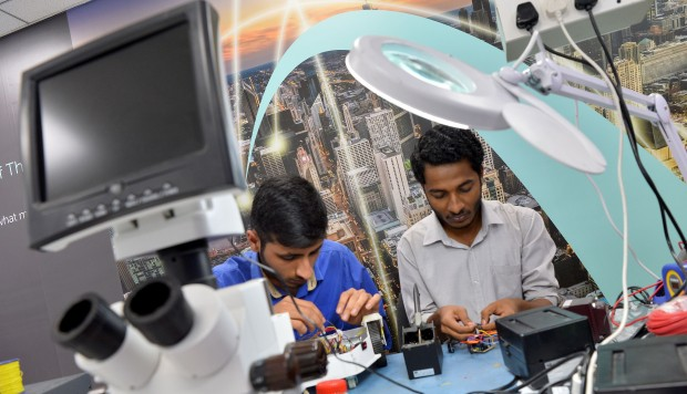 What India's hi-tech capital can learn from China