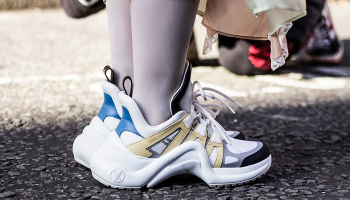 sneakers crown of Balenciaga's Triple S