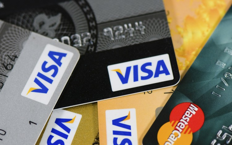 Visa Seeks Access to China's Bank-Card Clearing Market in Challenge to UnionPay
