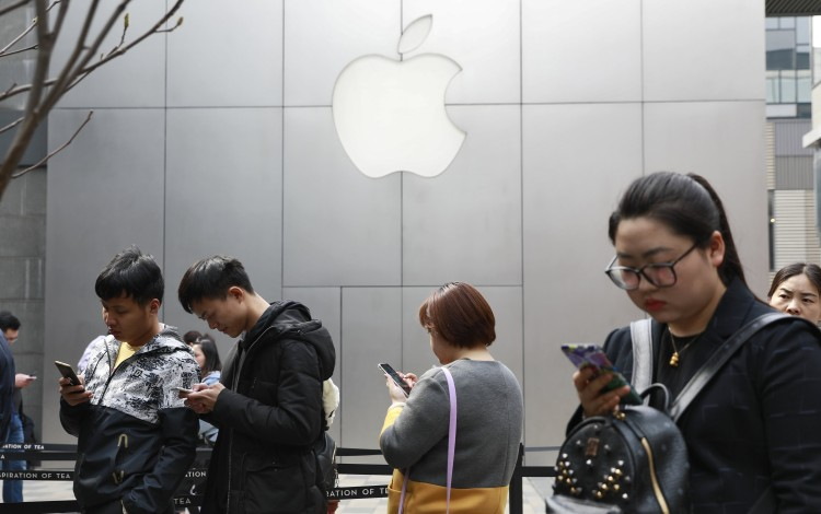 Apple Hit By Qualcomm Patent Dispute In China As Court Bans IPhone Sales, Upping Pressure On US Tech Giant