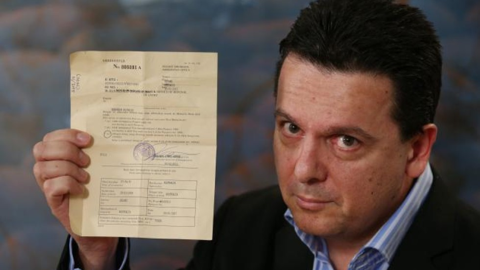 australia mp nick xenophon questions deportation from malaysia