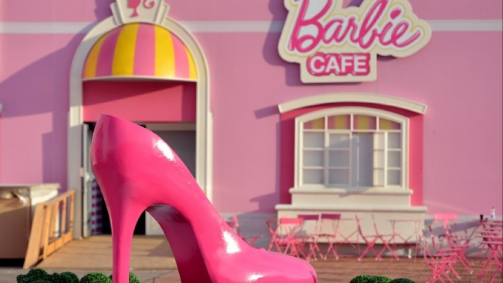 Barbie Dreamhouse In Berlin A Pink Nightmare For Protesters