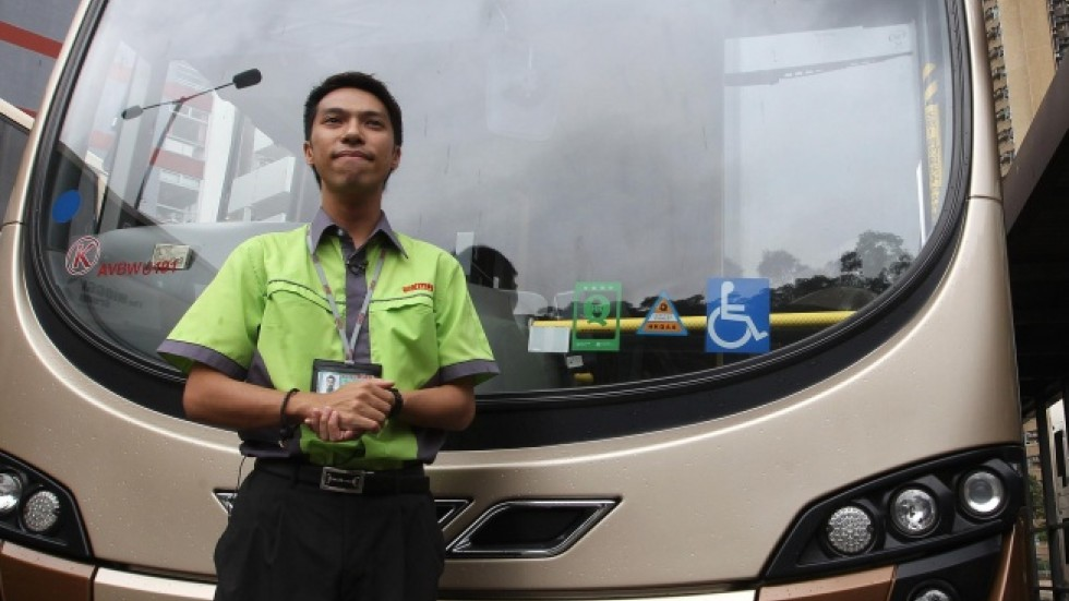 Financial analyst finds new route to happiness as a bus for Motor coach driving jobs