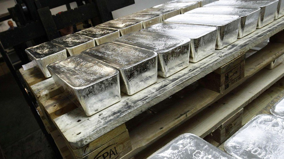 Banks face lawsuit for manipulating price of silver | South