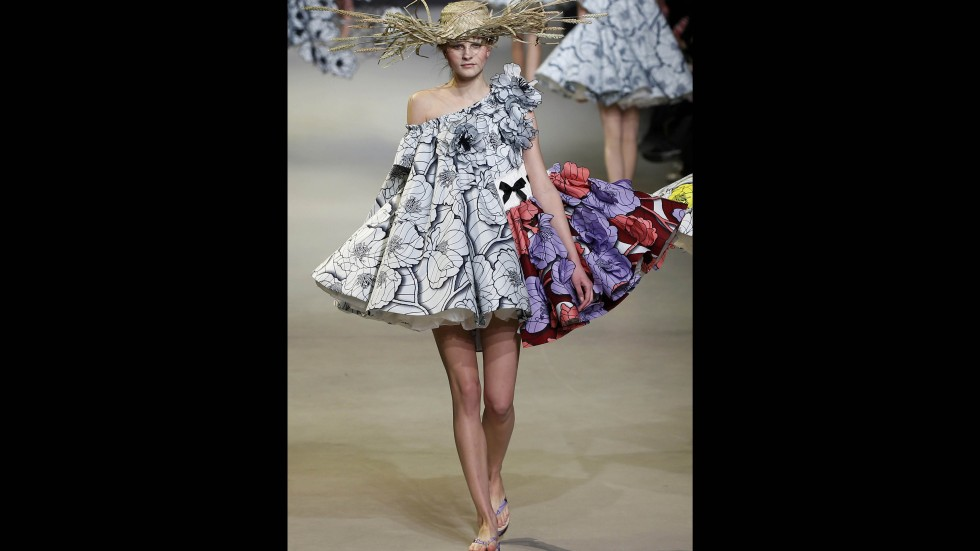 Hot picks from haute couture south china morning post for Hot couture fashion