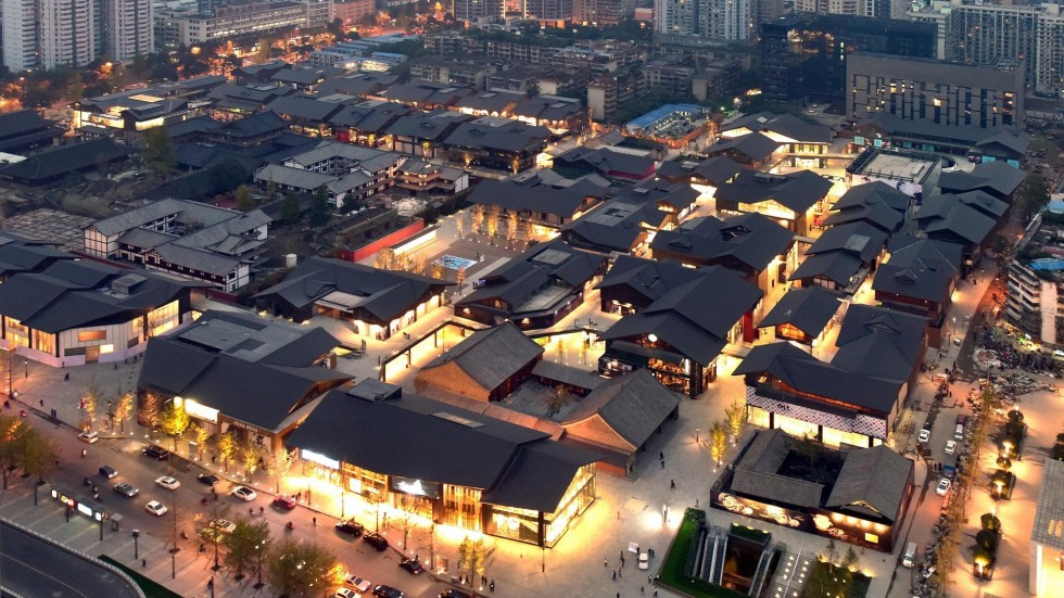 China 39 s shopping malls undergo creative shift south for Shopping in cina