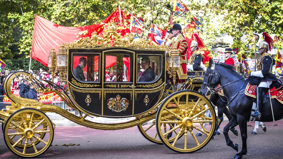 Xi Jinping S Carriage Ride Up London S Mall Runs The
