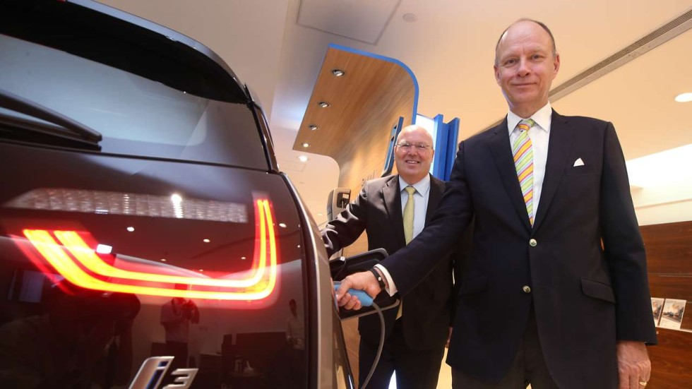 German Carmakers Look To Muscle In On Tesla S Dominance Of Hong