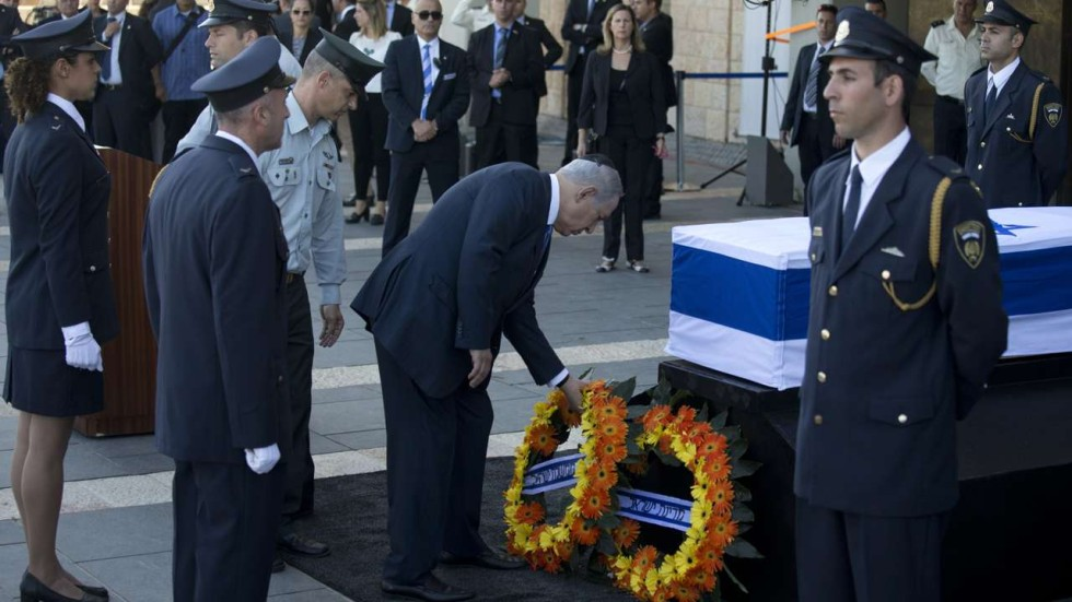 Arabs greet former israeli leader shimon peres death with silence associated press m4hsunfo