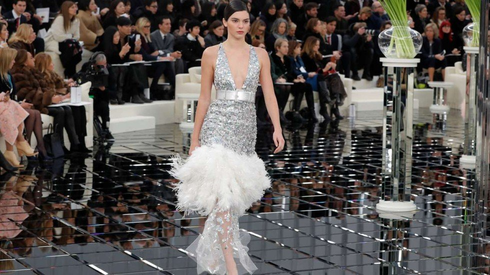 68d4c95a75d Kendall Jenner models a look from Karl Lagerfeld s spring summer 2017  collection for Chanel in Paris that s all flapper-girl flirtatious. Photo   Reuters