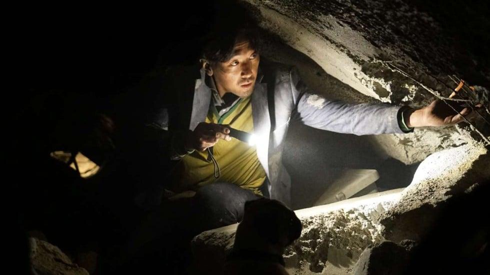 Znalezione obrazy dla zapytania Tunnel korean movie