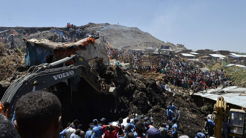 avalanche of garbage kills 46 with dozens more missing