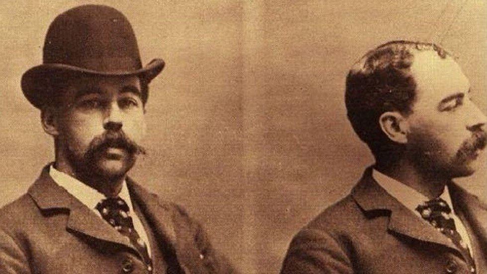 Body of 19th century serial killer Dr H.H. Holmes to be exhumed to quash rumours he escaped the noose