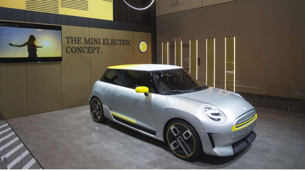 Bmw Great Wall Sign Letter Of Intent For Electric Mini Joint