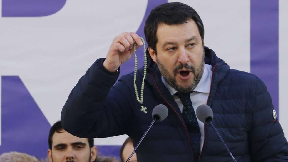 Image result for Photo Matteo Salvini with a rosary in his hand
