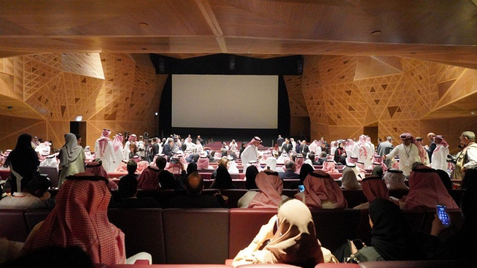 First saudi cinema opens with popcorn cheers and hollywood associated press malvernweather Image collections