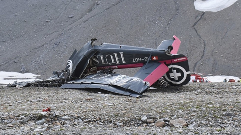 Vintage plane crashes in Swiss Alps, killing all 20 people on board ...