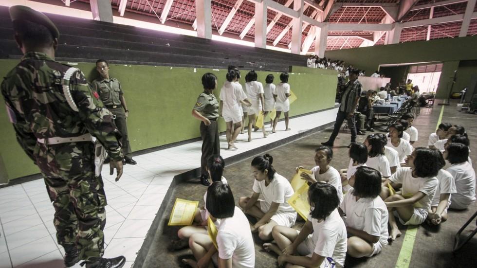 military pics Free vagina