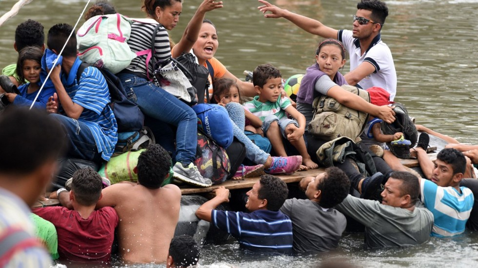 Mexico Allows Dozens Of Honduran Migrant Women And Children In But