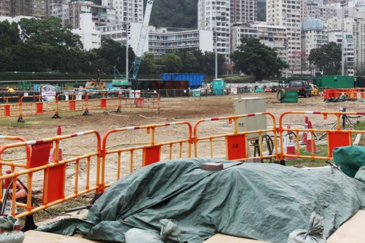 Three sections of the Happy Valley racing surface will be torn up in early April 2014 and the track put out of play until mid-October next year. Photo: K. Y. Cheng