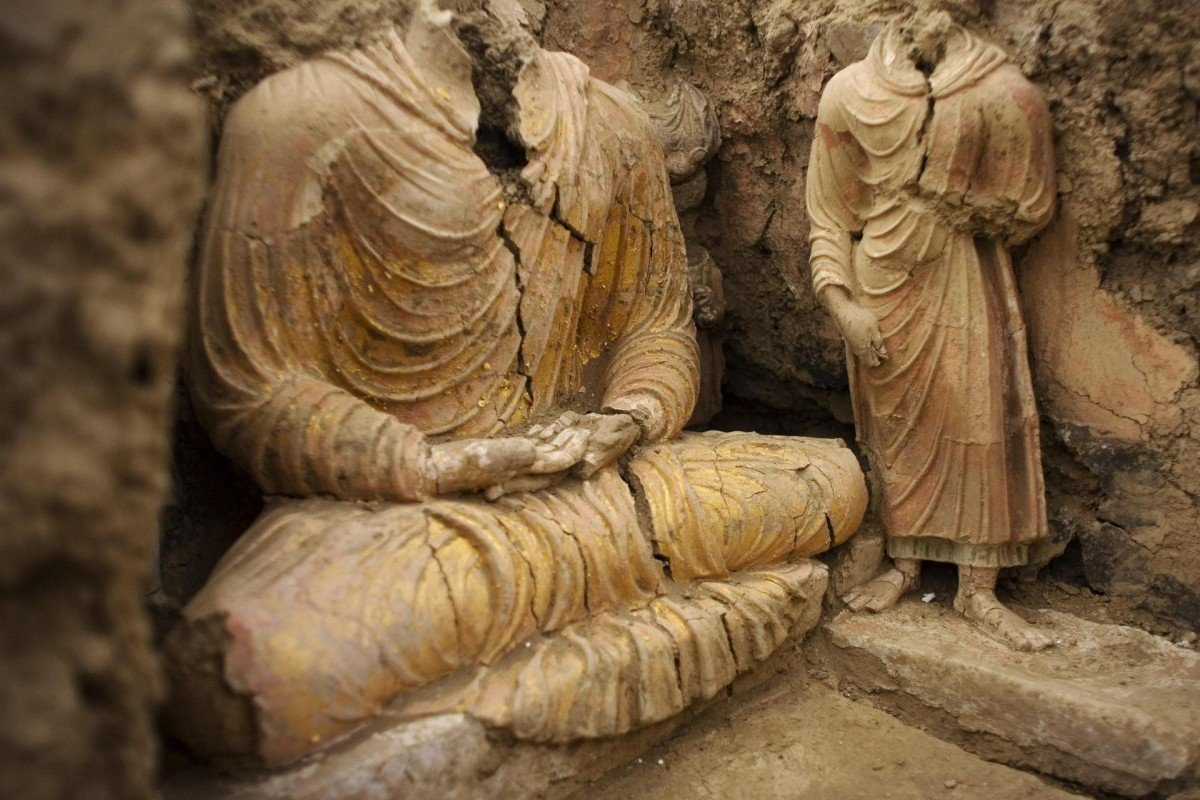 Remains of Buddha statues inside an ancient temple in Mes Aynak, Afghanistan. Photos: AP; AFP; FlickrVision; Andy Miller