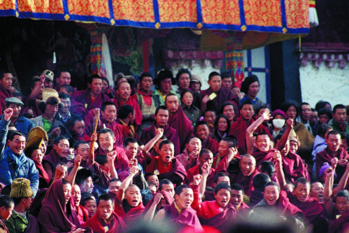 Monks shout anti-Chinese slogans at the Jokhang Temple, Lhasa, on March 5, 1988.