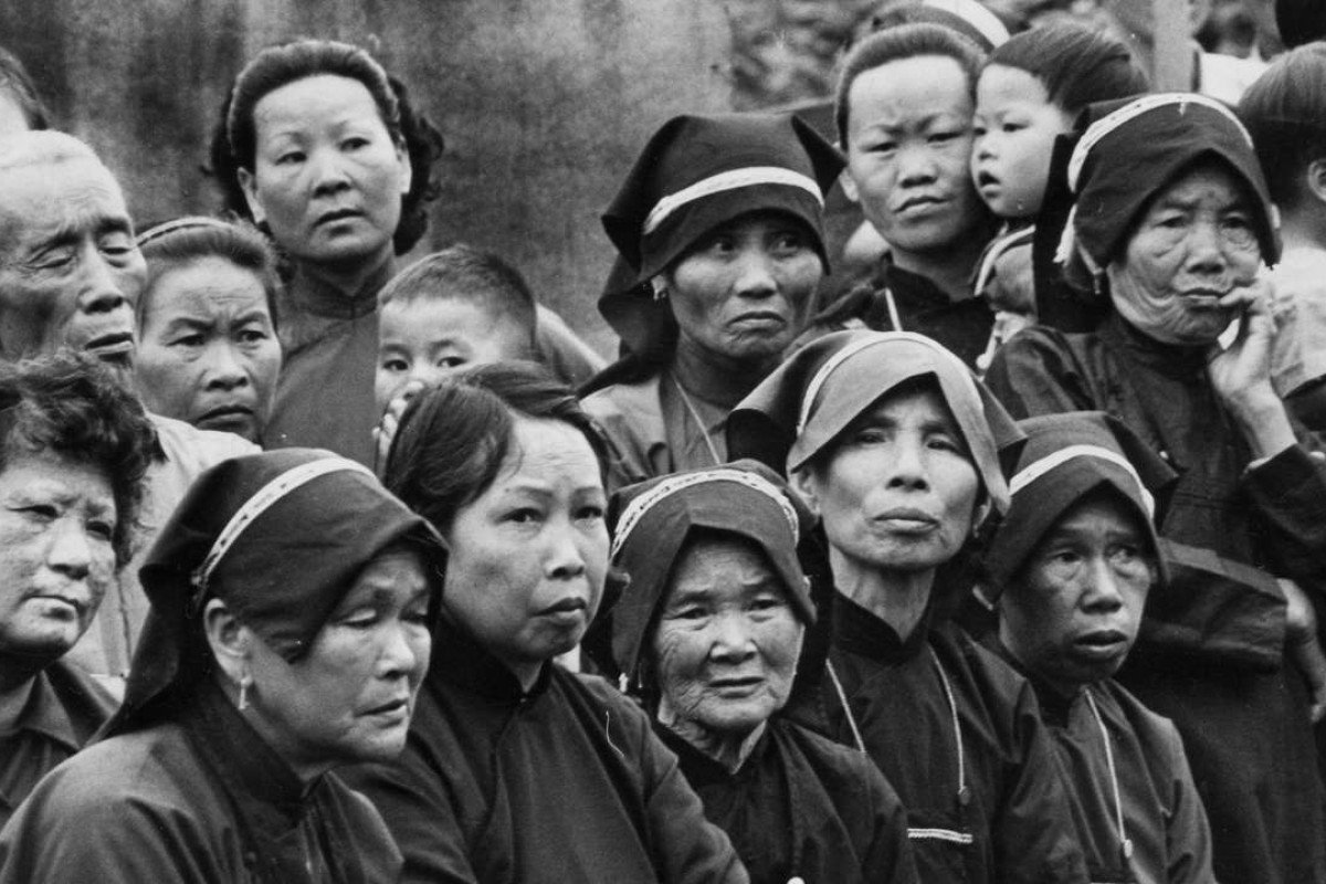 Hakka people attend a ceremony at a temple in Lai Chi Wo, in the New Territories, in May 1972.