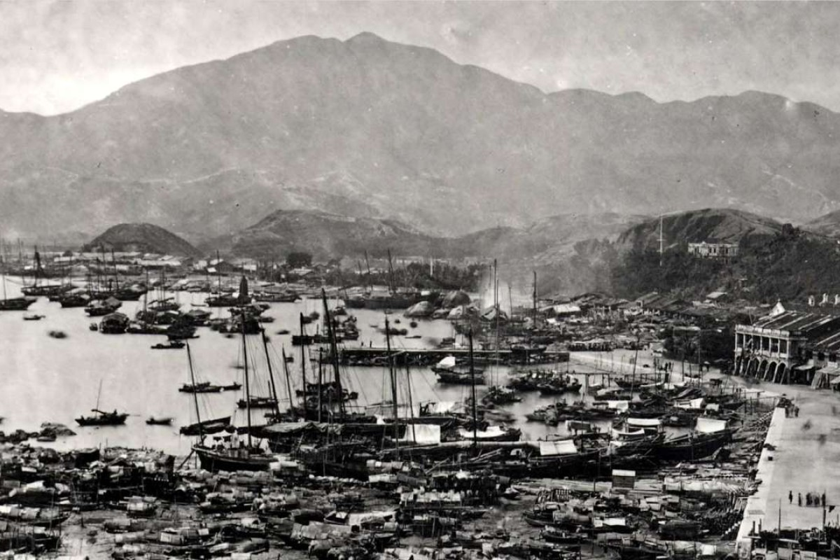 Chinese maritime activity on the Kowloon waterfront in 1900, a picture that is not reflected in Hong Kong's street signs.