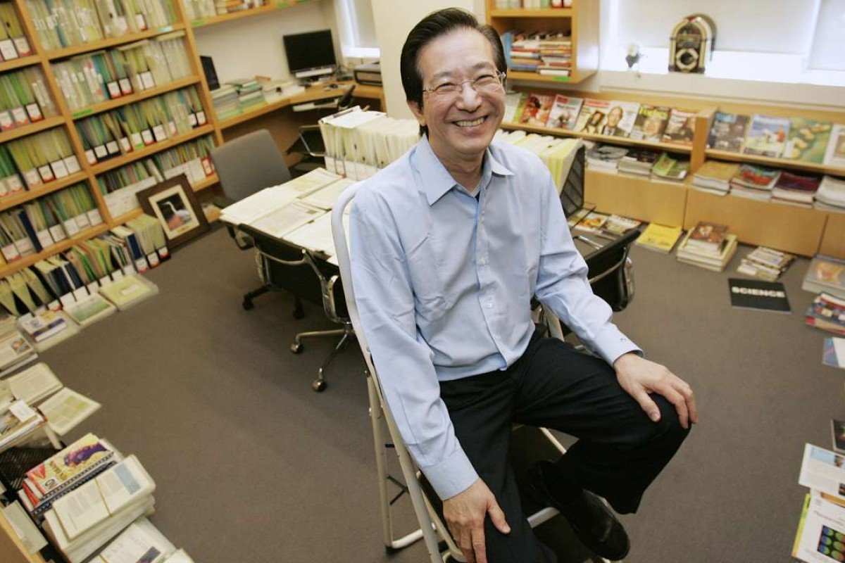 Philip Yeo, Singapore's former economic tsar, is a former school librarian who has retained his love of books. Photo: Singapore Press Holdings
