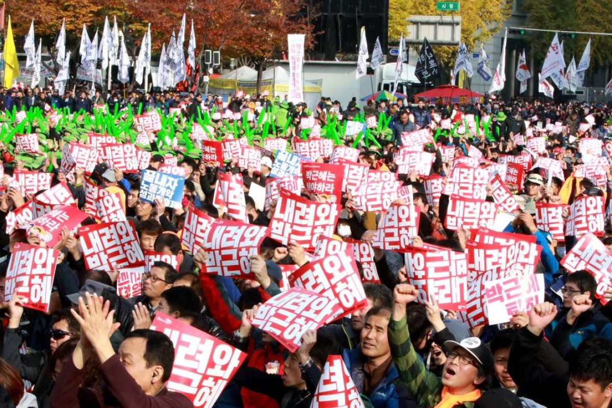 A million protesters flood Seoul's streets to demand the resignation of President Park Geun-hye amid an explosive political scandal, in what may be South Korea's largest protest since it shook off dictatorship three decades ago. Photo: AFP