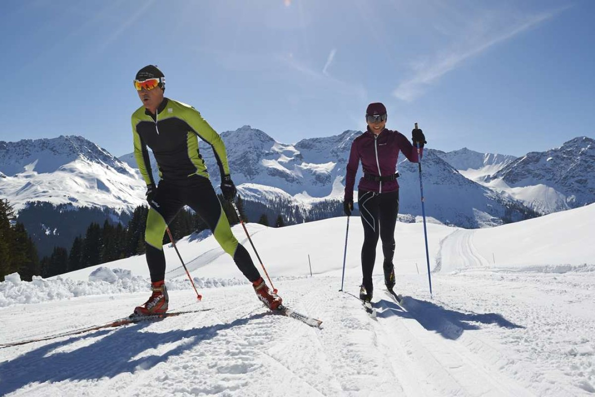 Cross country skiing in Arosa.